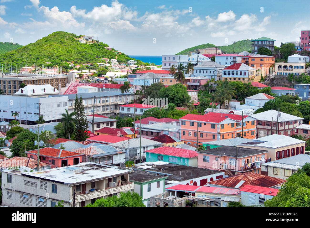 Bunte Häuser in Charllote Amalle. St. Thomas. Jungferninseln (US). Stockbild