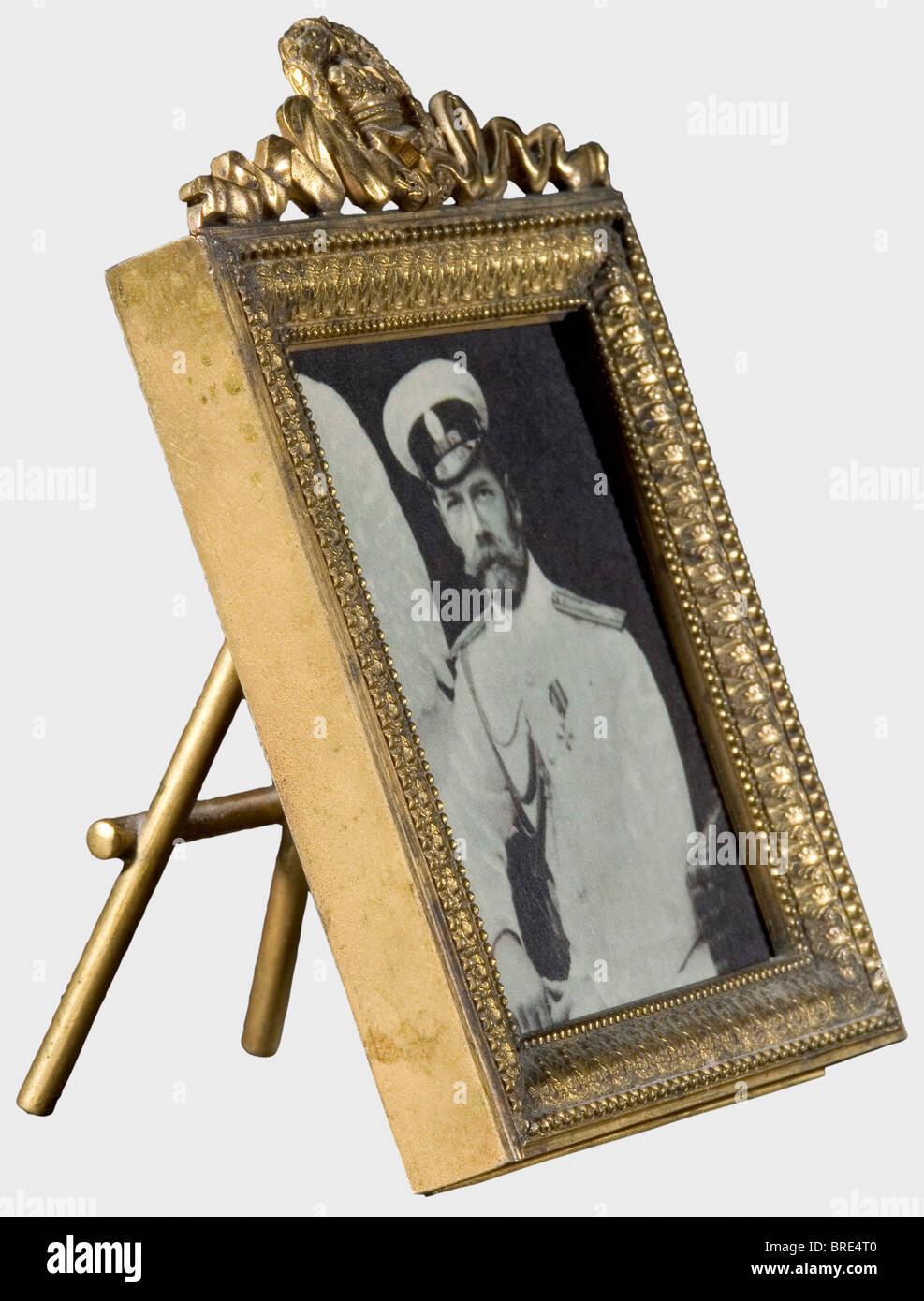 Einen kleinen Bilderrahmen, ca. 1850 aus vergoldetem Messing durch ...
