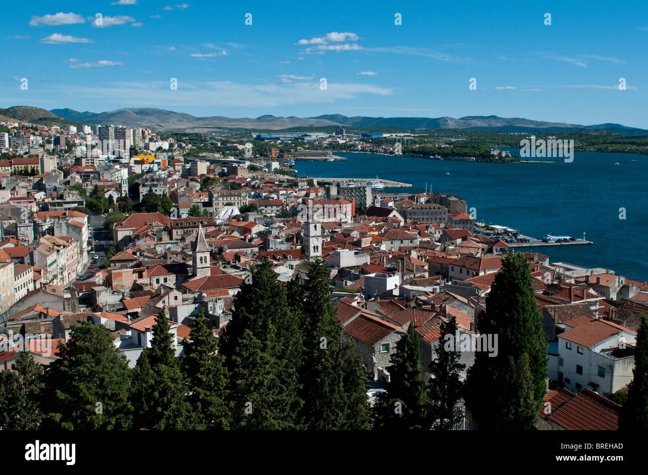 Ansicht von Sibenik aus St. Michael Festung, Dalmatien, Kroatien Stockbild