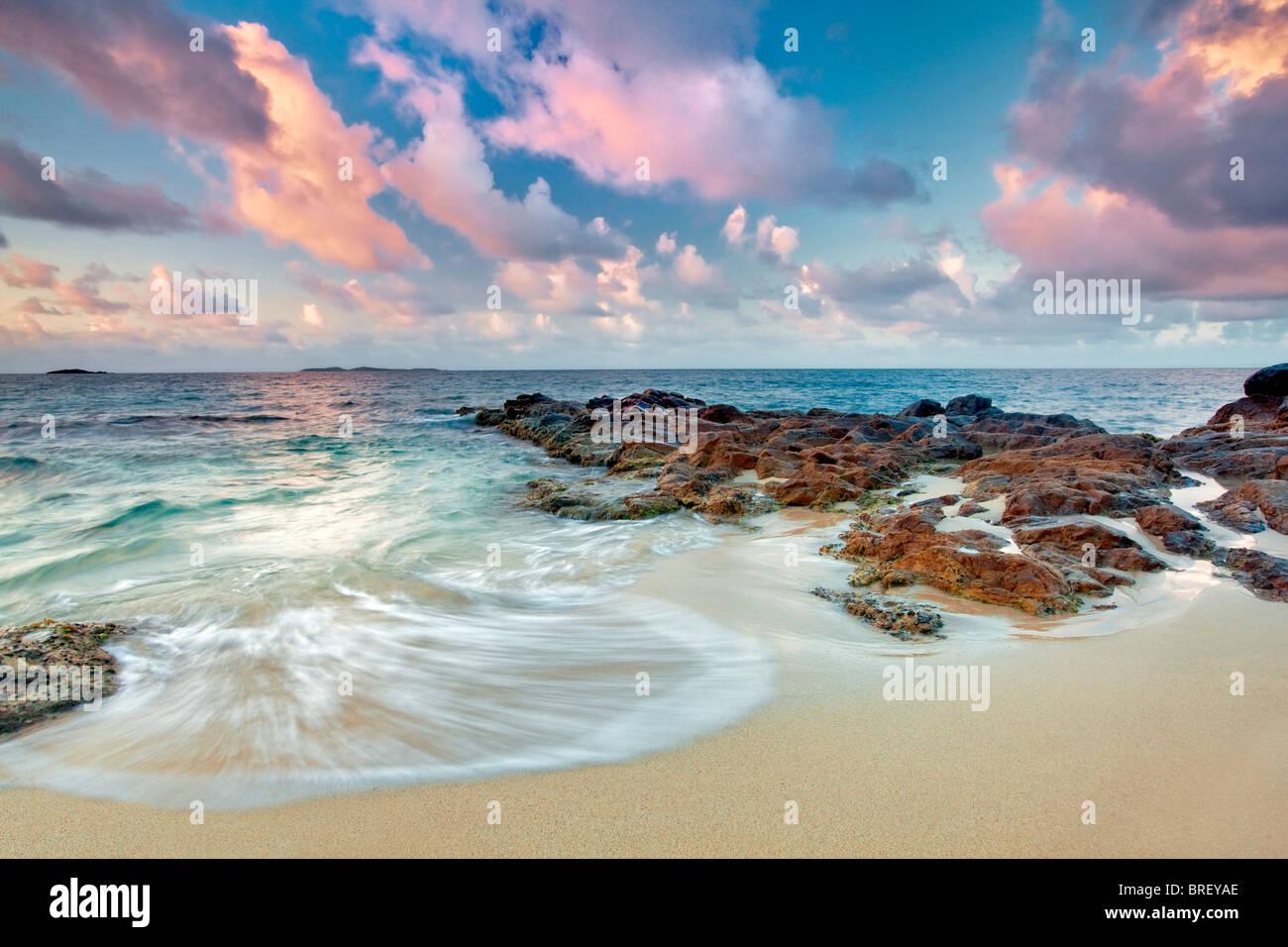 Coastal Sonnenuntergang. St. Thomas. Jungferninseln (US) Stockbild