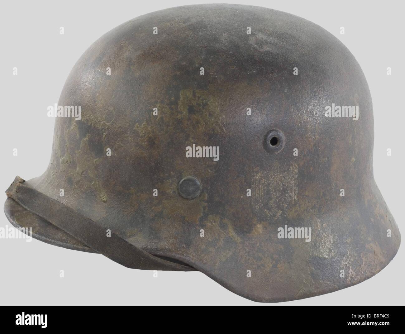 Wehrmacht, Casque camouflé, modèle 35/40, camouflé Deux t, aigle recouvert par le Camouflage. Intérieur Stockbild