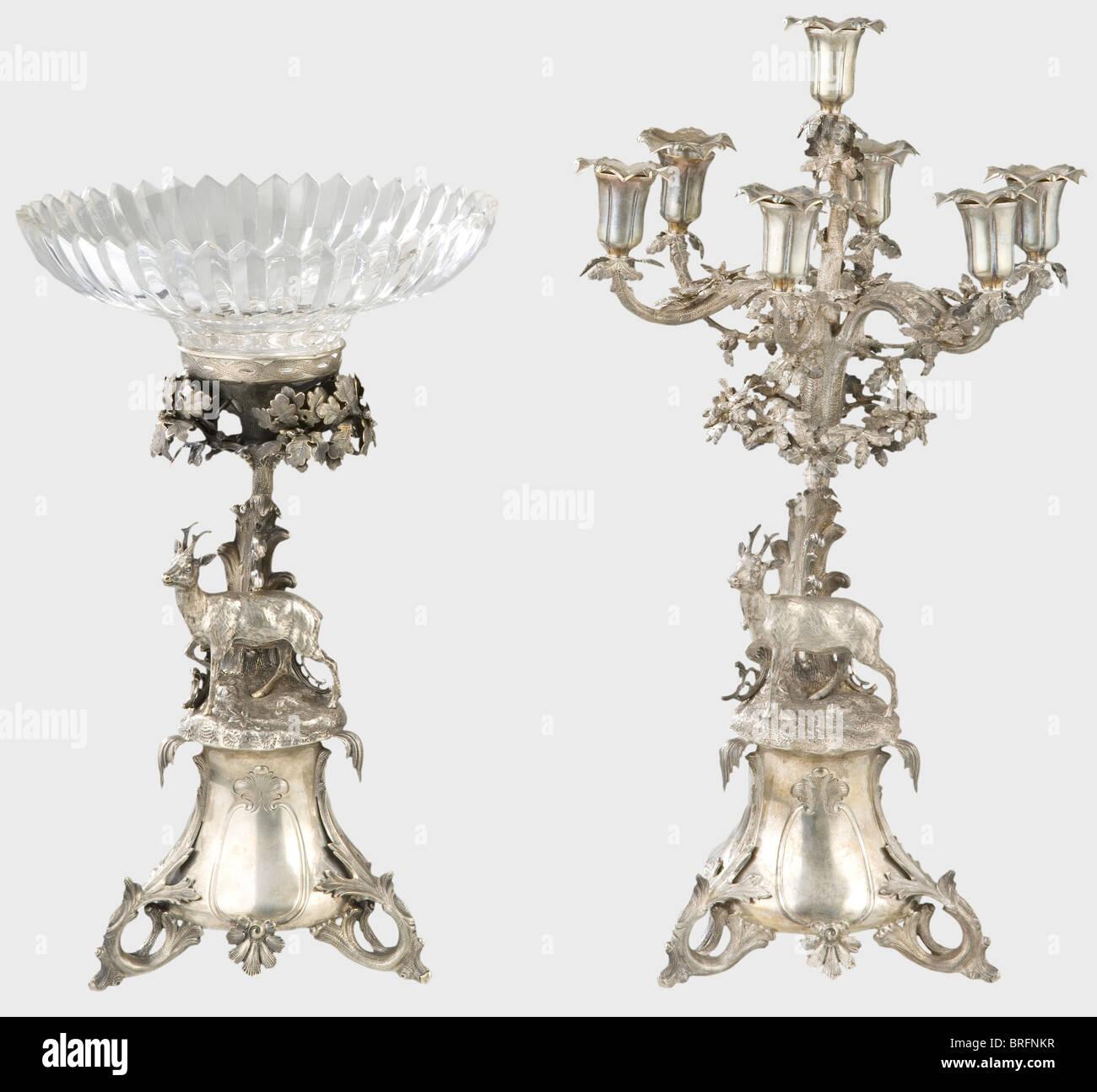 Eine Deutsche Herzstück Tischdekoration, Um 1860. Ein Kernstück Silber Tisch  Mit Passenden Einfügen Und Ein Fünf Kerze Kandelaber
