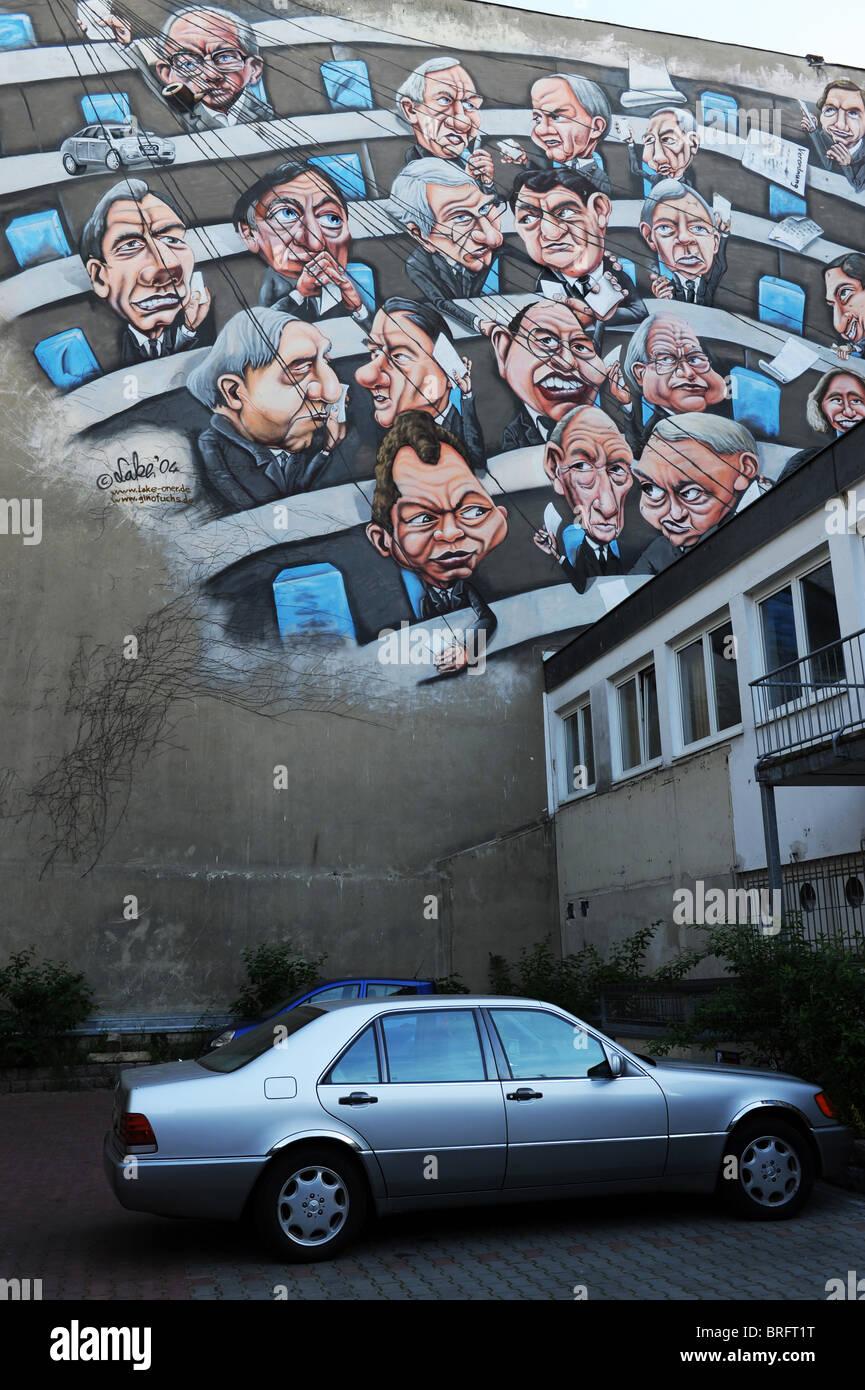 St dtischen wandmalerei graffiti von christian 39 see 39 wahle und gino fuchs berlin deutschland - Wandmalerei berlin ...