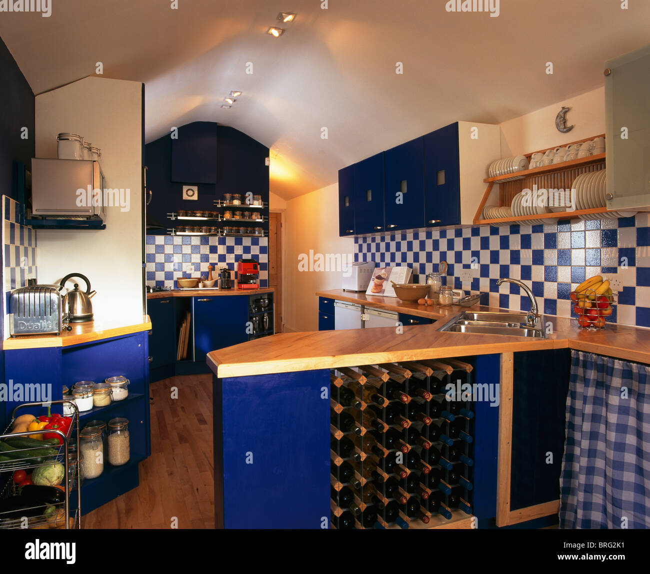 Blue And White Tiles Stockfotos & Blue And White Tiles Bilder - Alamy