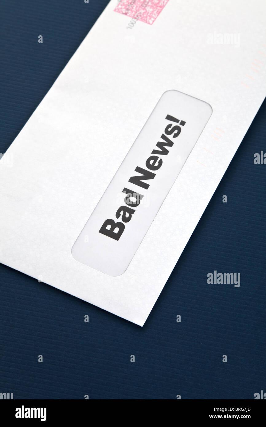 Schlechte Nachrichten und Umschlag, Konzept des Scheiterns Stockbild