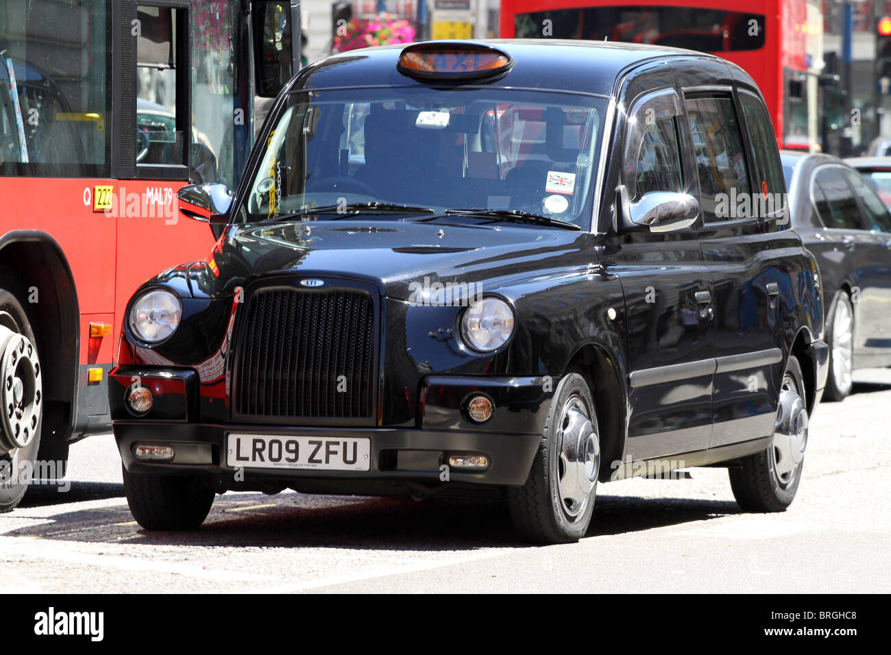schwarzen london taxi taxi london england stockfoto. Black Bedroom Furniture Sets. Home Design Ideas