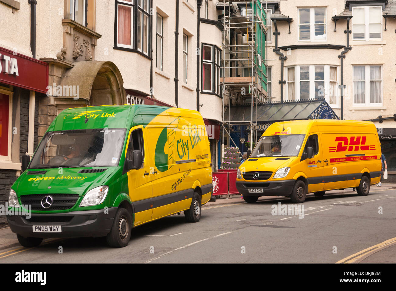 Dhl Vans High Resolution Stock Photography and Images Alamy