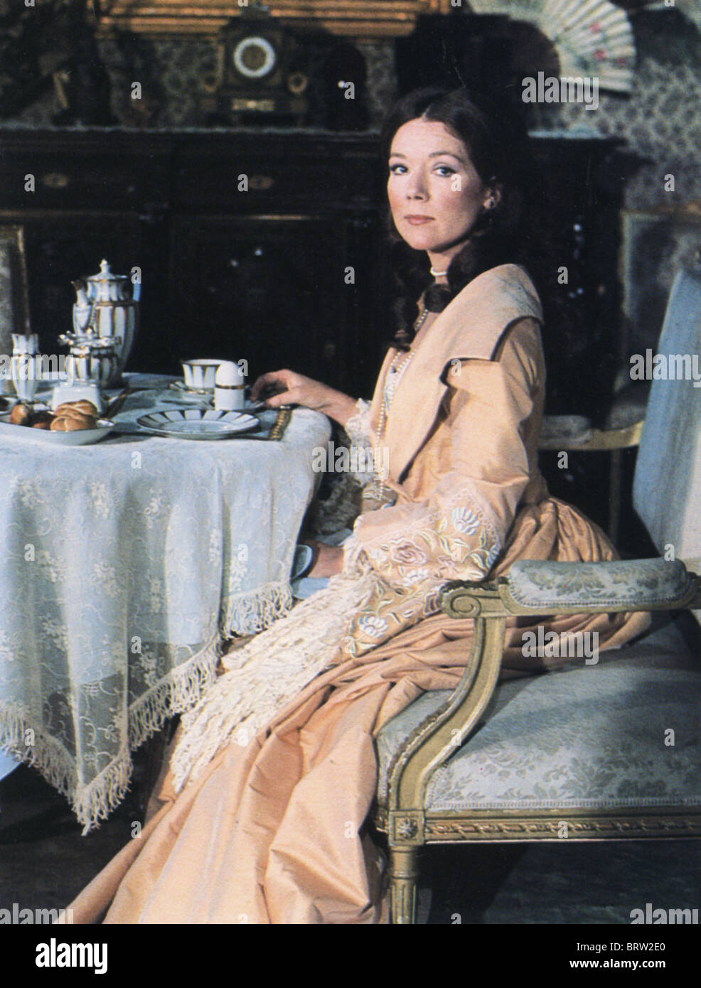 Eine kleine Nachtmusik 1977 würde New mit Diana Rigg als Gräfin Charlotte Malcolm, adaptiert von der musikalischen Stockbild