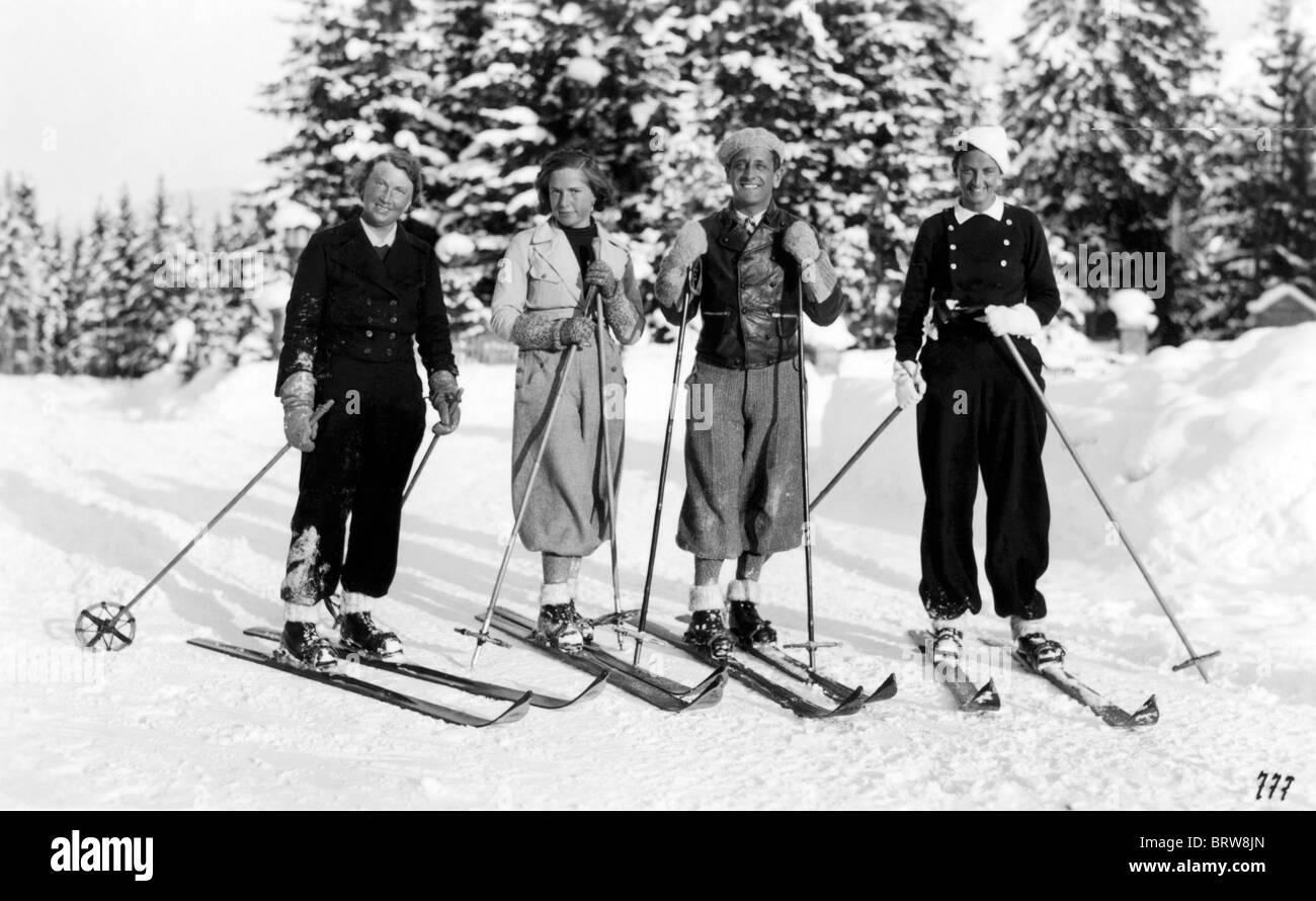 Skifahren in den dreißiger Jahren, historische Photgraph, ca. 1934 Stockbild