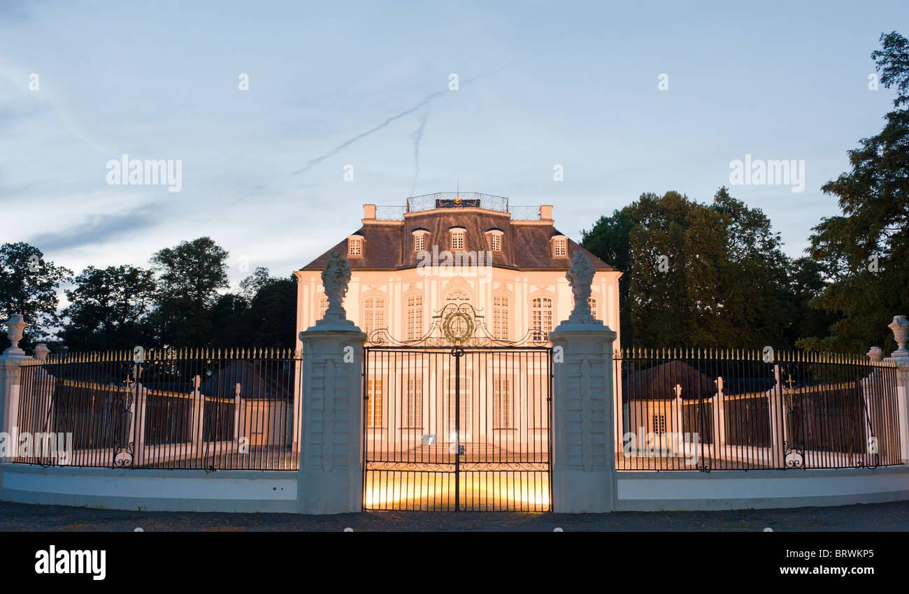 Schloss Falkenlust in Brühl, ein Palast für die Falknerei Stockbild