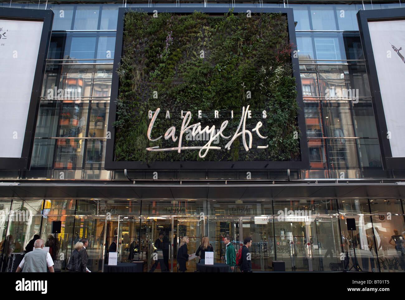 312986b228e479 Außenansicht des Kaufhauses Galeries Lafayette