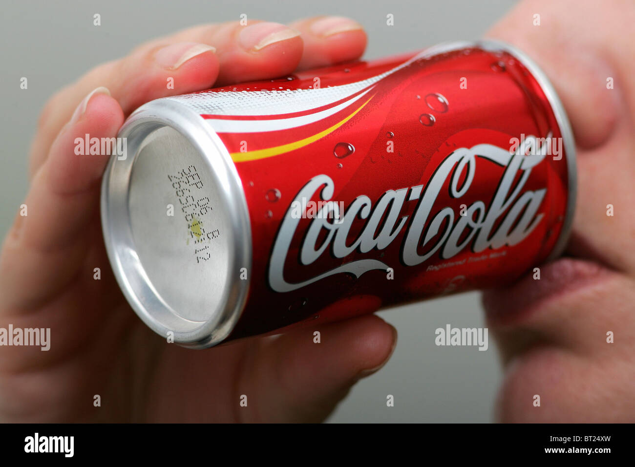 Mini Kühlschrank Cola Dose : Coca cola mini kühlschrank dose coca cola dose mini kühlschrank