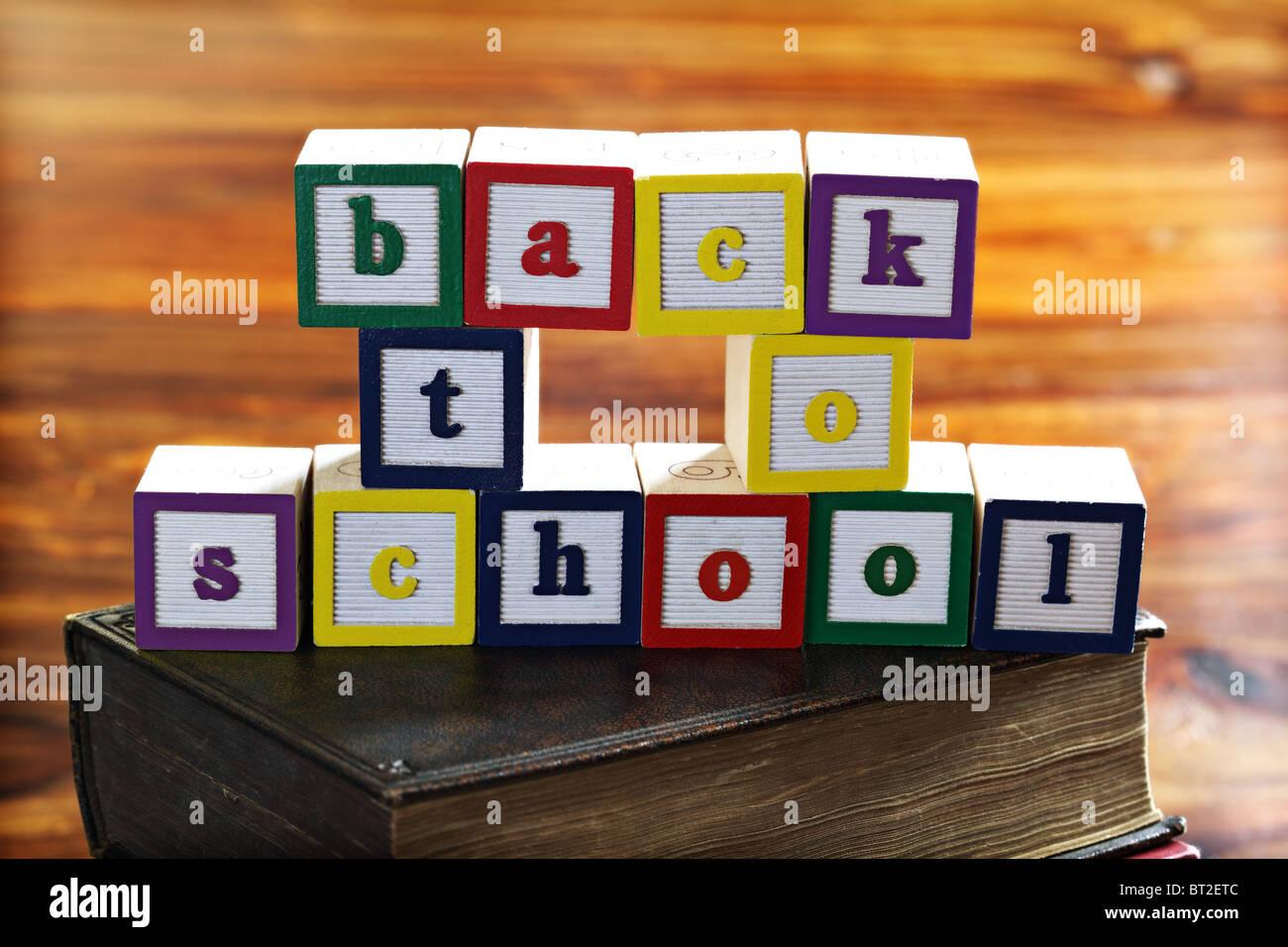 Zurück zu Schule Zeichen Stockbild