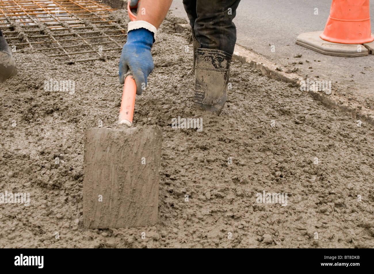 Nassen Beton Zement Arbeit Arbeiter Hochbau Industrie Giessen Giessen