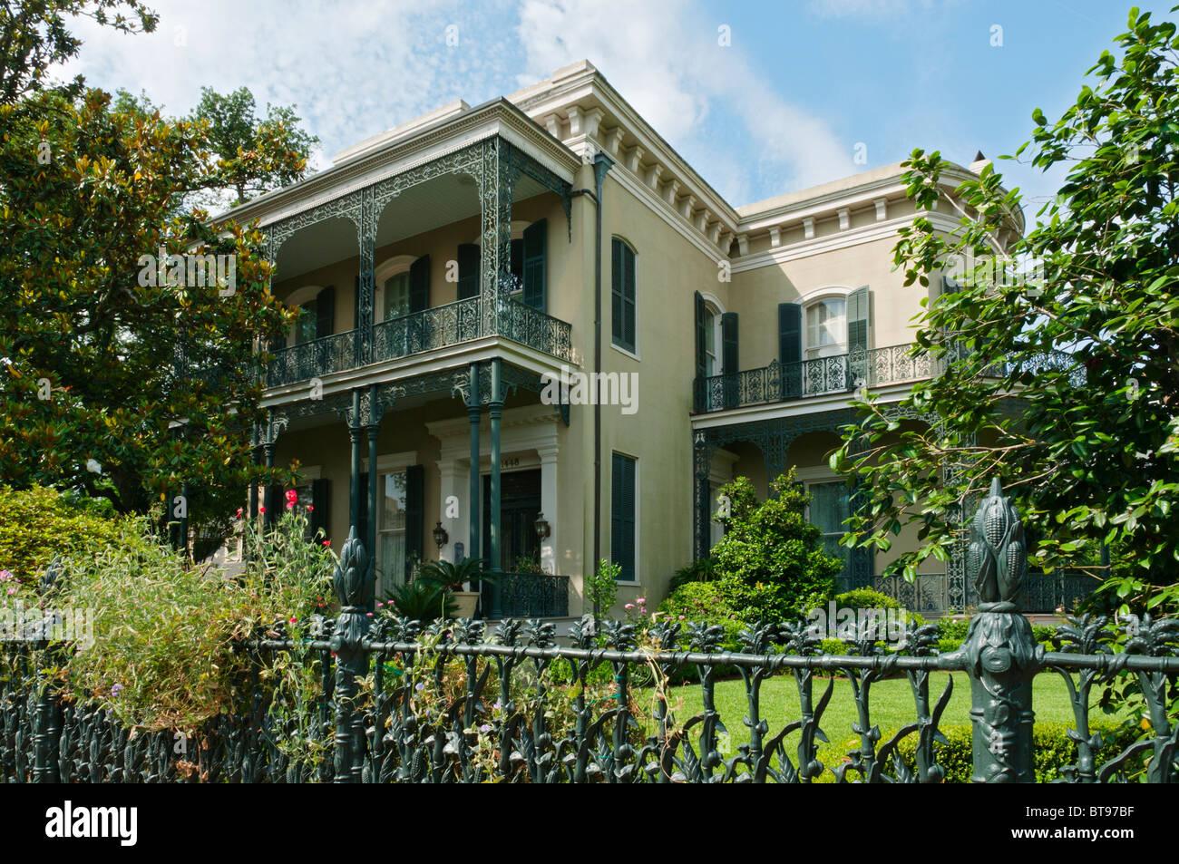 Louisiana New Orleans Garden District Oberst Kurz Villa