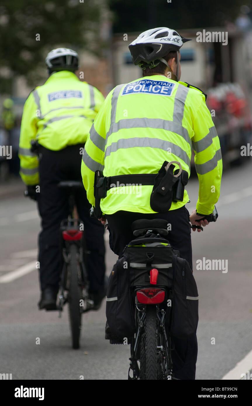 Polizisten auf Fahrrädern in Notting Hill, London, UK Stockfoto