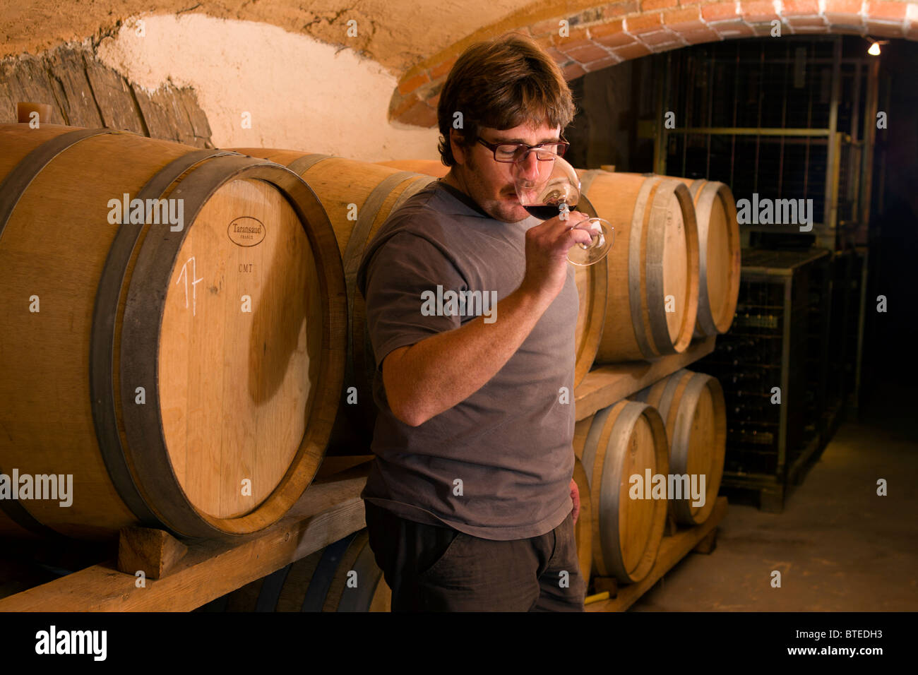 winemaking stockfotos winemaking bilder alamy. Black Bedroom Furniture Sets. Home Design Ideas