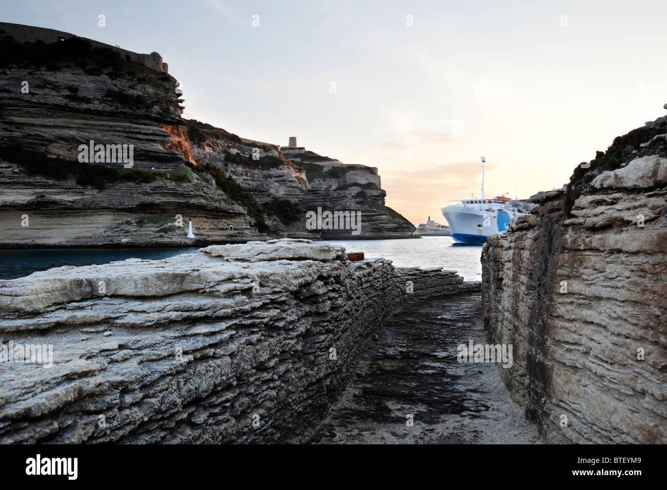 Fahre Kommt In Den Kanal Von Bonifacio Ansicht Von Einem