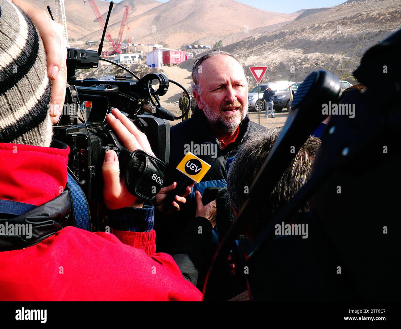 Reportage-33 Bergleute Chile gerettet auf Atacama-Wüste, San Jose Mine lebendig. Baldo Prokurica Mitglied des Stockbild