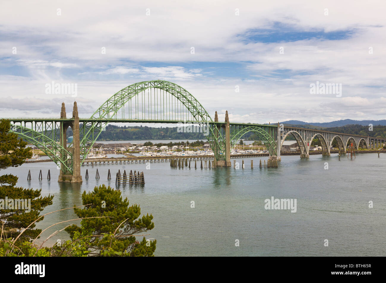 Siuslaw River Bridge entworfen von Conde B McCullough in Florenz Oregon Stockbild