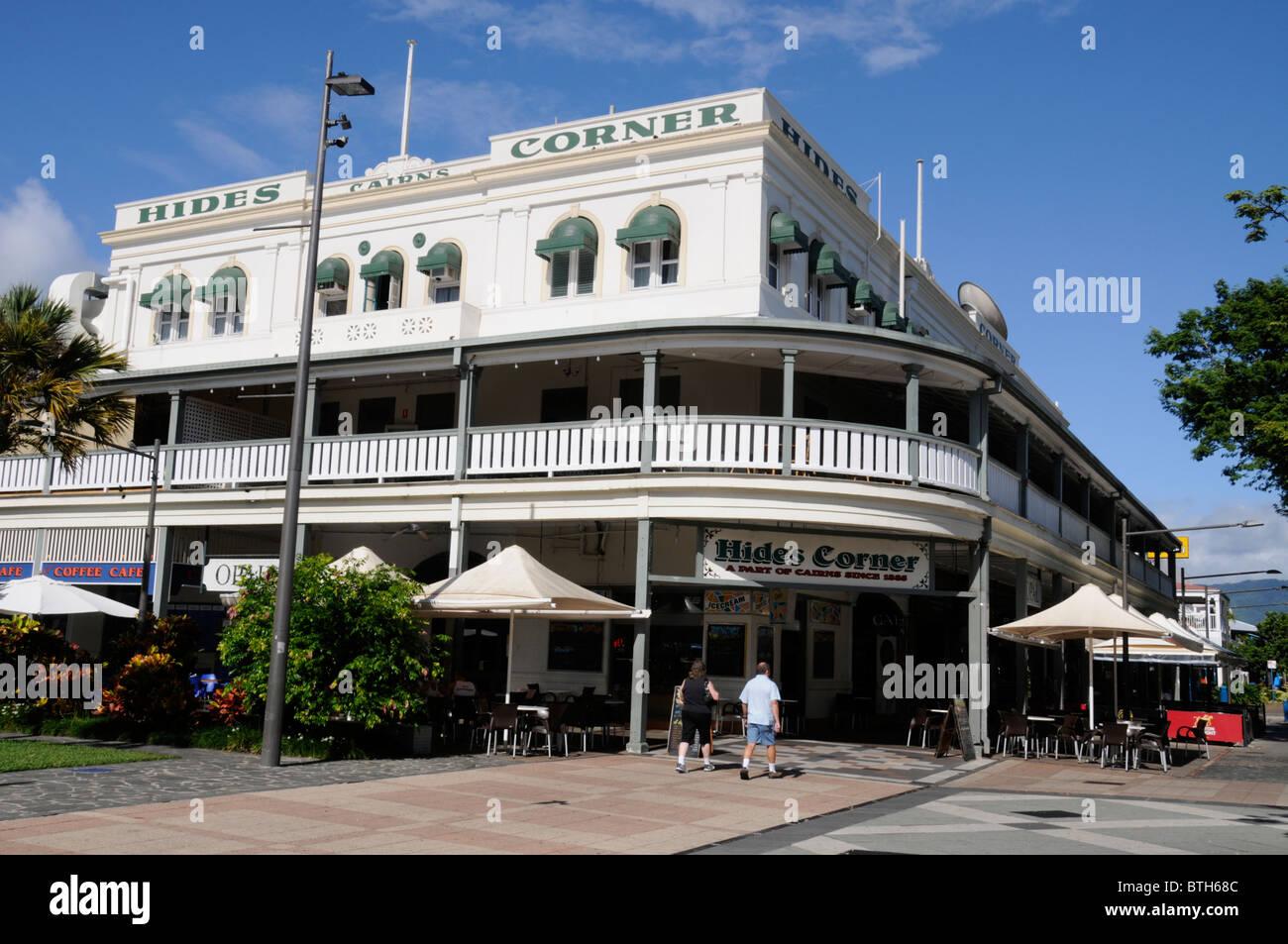 Häute Corner Hotel im Schilde Straße in Cairns, Queensland, Australien Stockbild