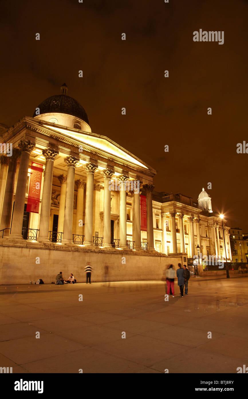 Die National Gallery am Nacht, Trafalgar Square, London, England, Vereinigtes Königreich Stockbild
