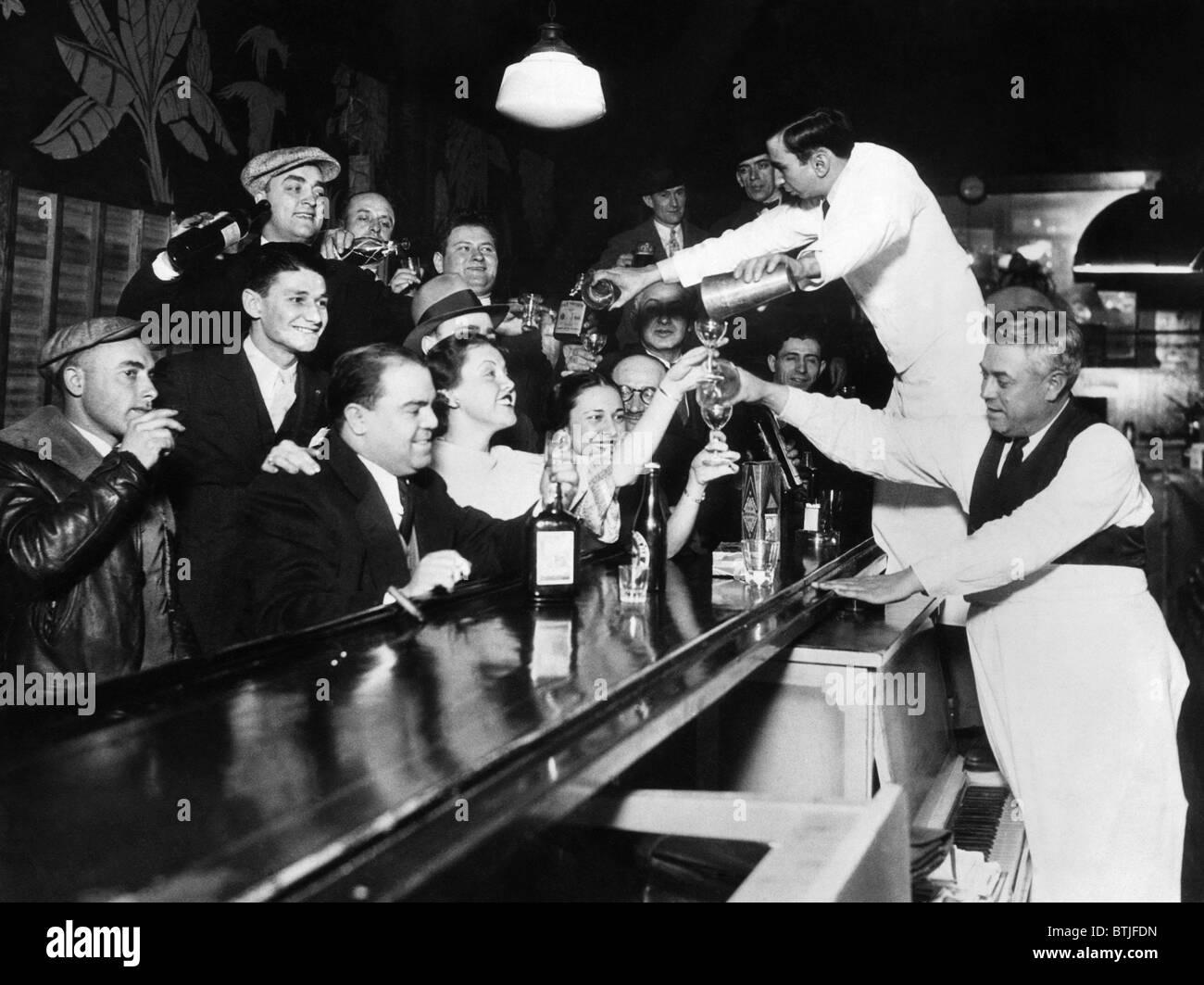 Sloppy Joes Bar, in der Innenstadt von Chicago, nach der Aufhebung des Verbots. 5. Dezember 1933. CSU-Archiv/Courtesy Stockbild
