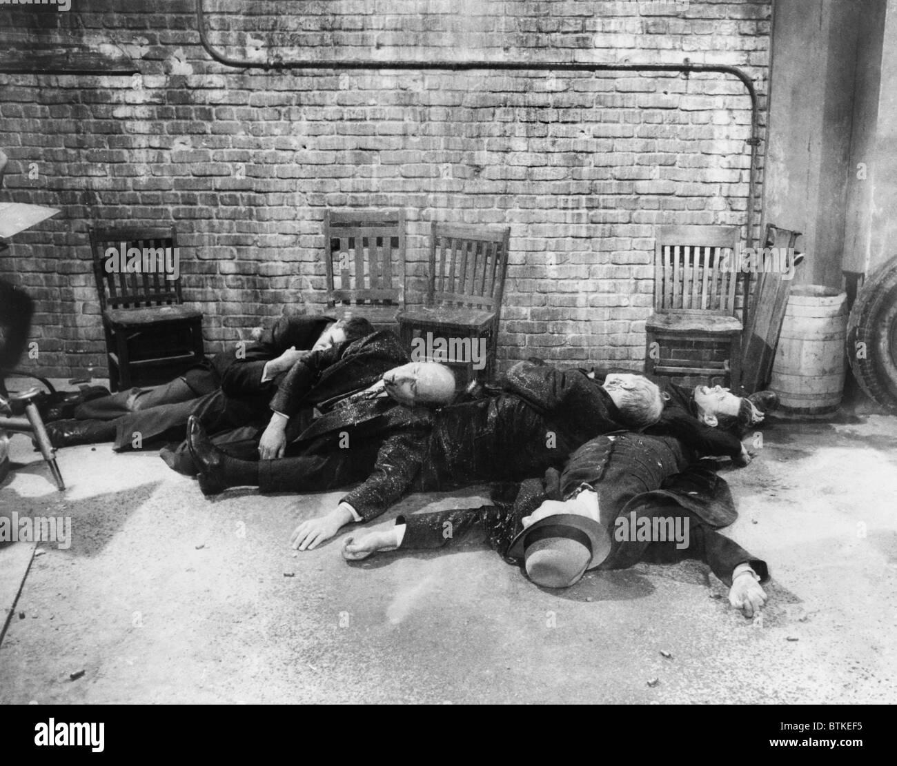 Re-Inszenierung des Valentinstag-Massakers von Cormans 1967 Film, THE ST. VALENTINE'S DAY MASSACRE. Stockbild