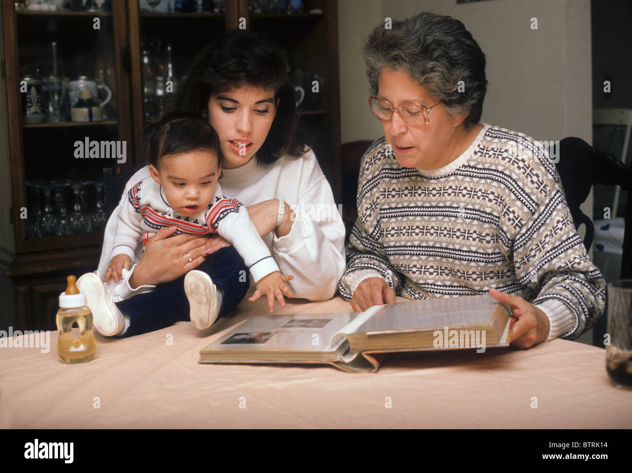 Oma Mutter und Junge