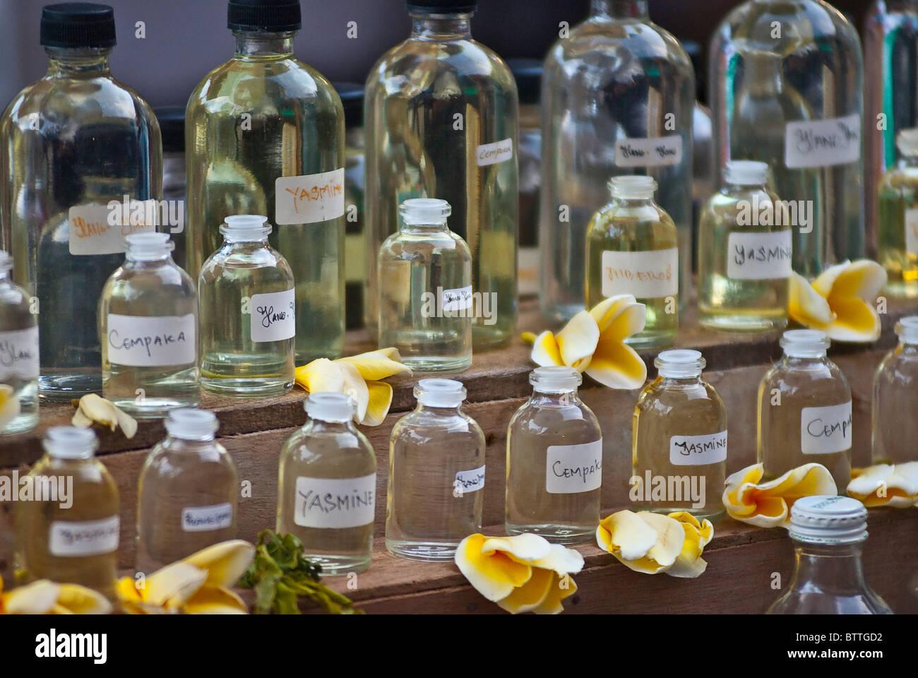 Parfums und Essenz Olis in Ubud Markt, Bali, Indonesien Stockbild
