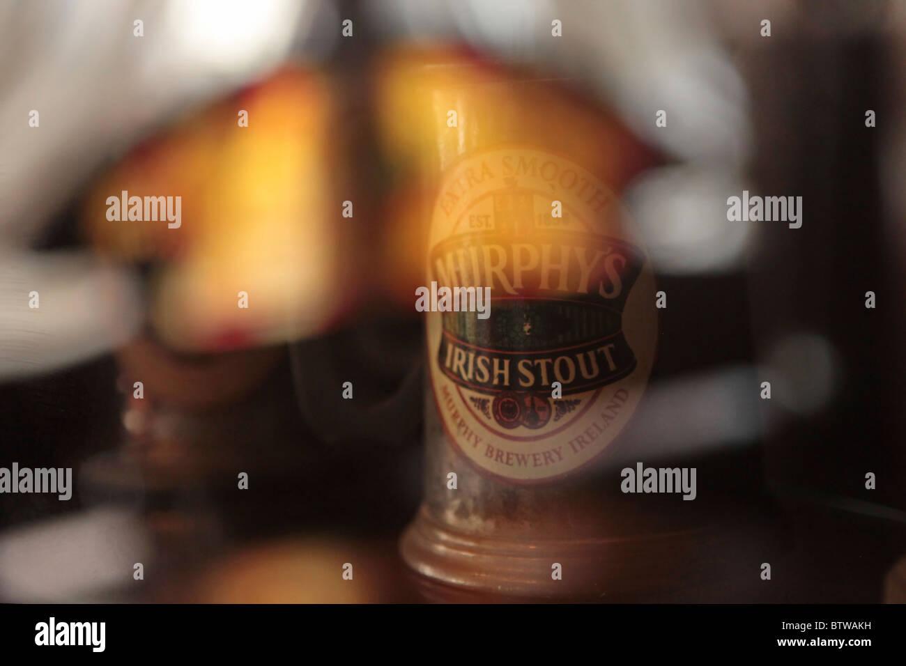 Irish Pub Bar Interior Stockfotos & Irish Pub Bar Interior Bilder ...