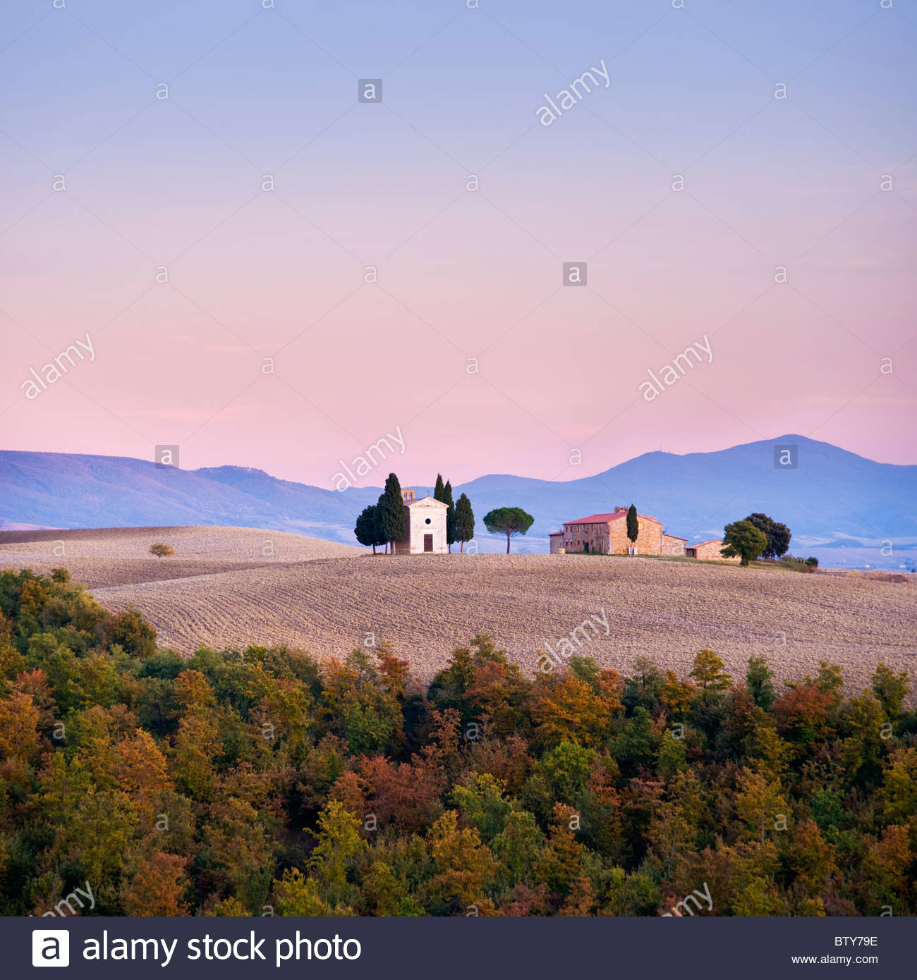 Kapelle San Quirico d ' Orcia, Val d ' Orcia, Toskana, Italien. Stockbild