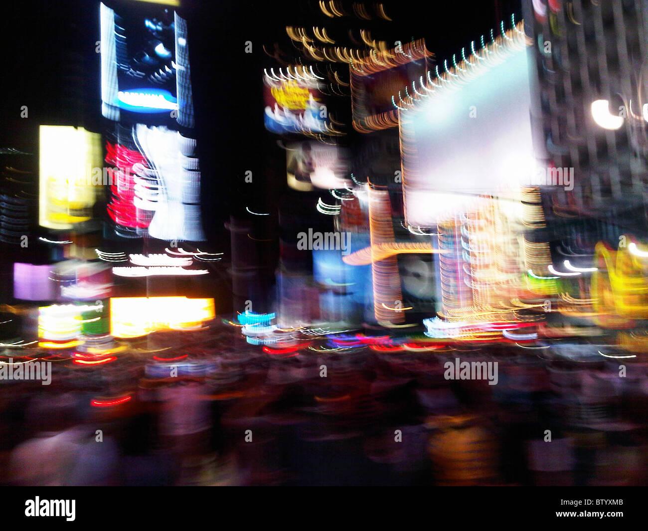 Verwischen die Lichter des Times Square New York City. Stockbild