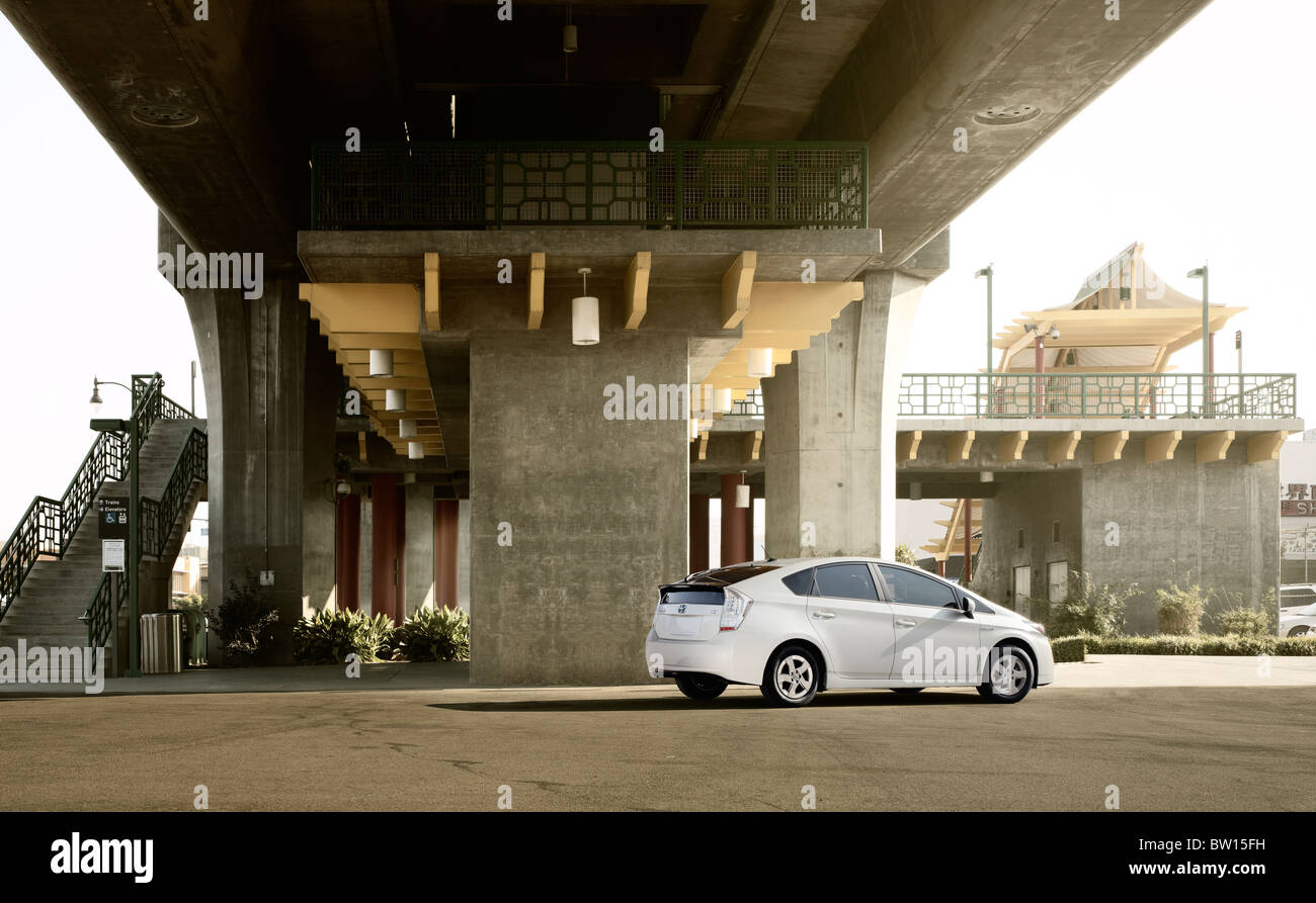 Transport.  Toyota Prius hinten 3/4 statische Beautyshot.  Die Lage ist Chinatown Metro-station Los Angeles CA, Stockbild