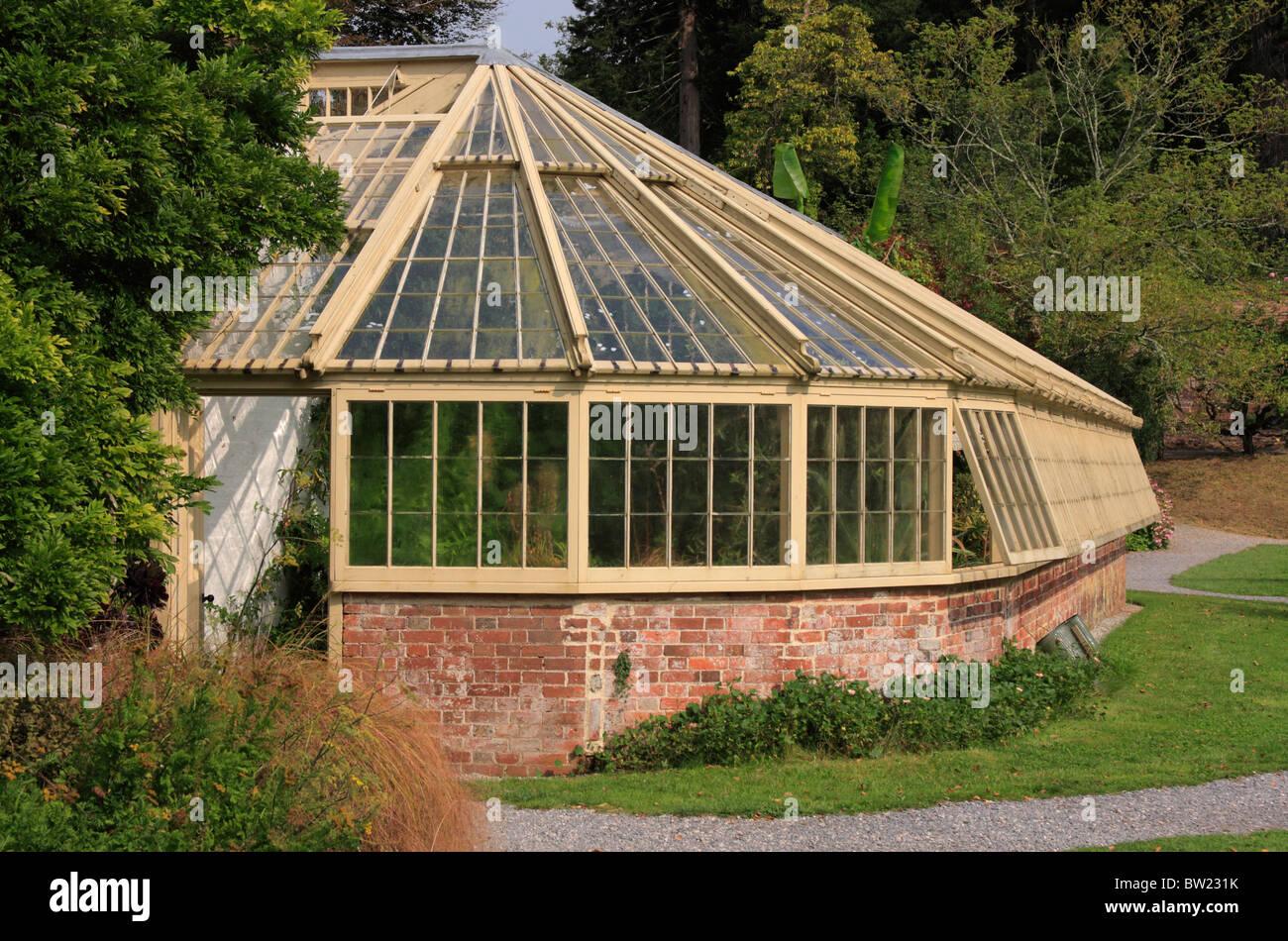 Holz Und Ziegel Gewachshaus Im Garten An Der Greenway Haus