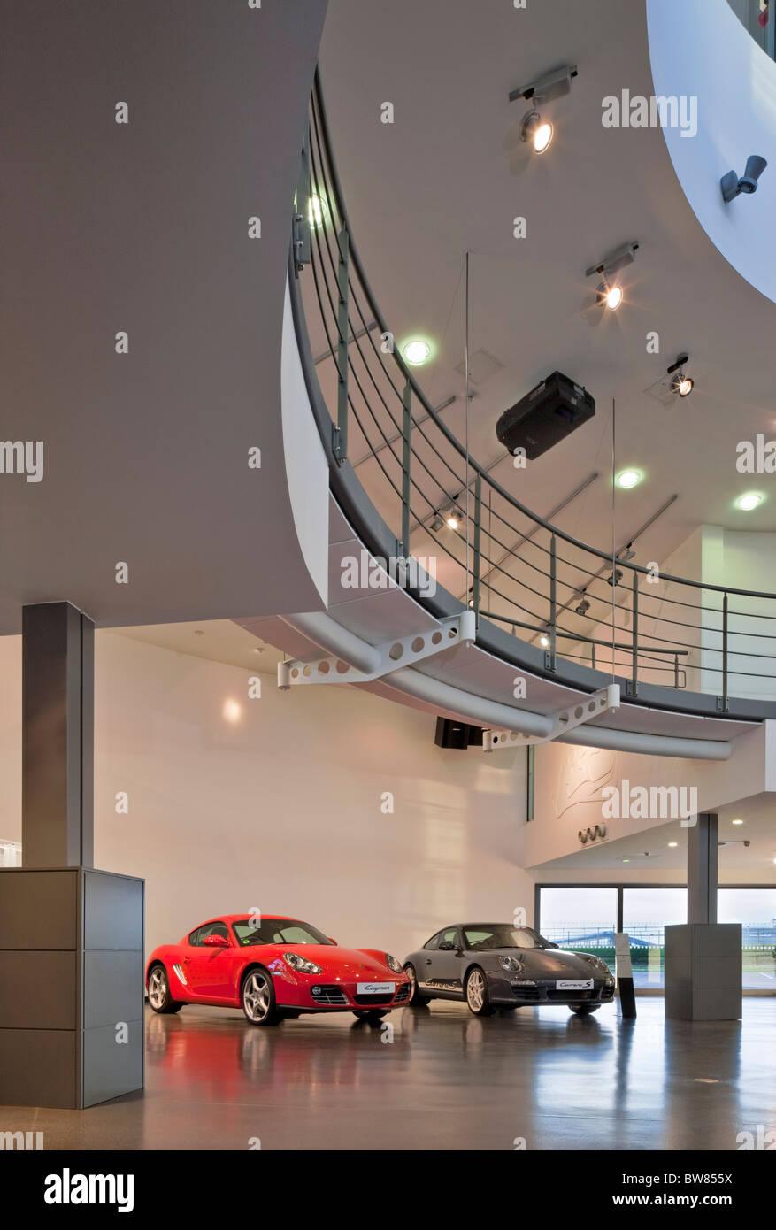 die porsche experience center in siverstone stockfoto bild 32756470 alamy. Black Bedroom Furniture Sets. Home Design Ideas
