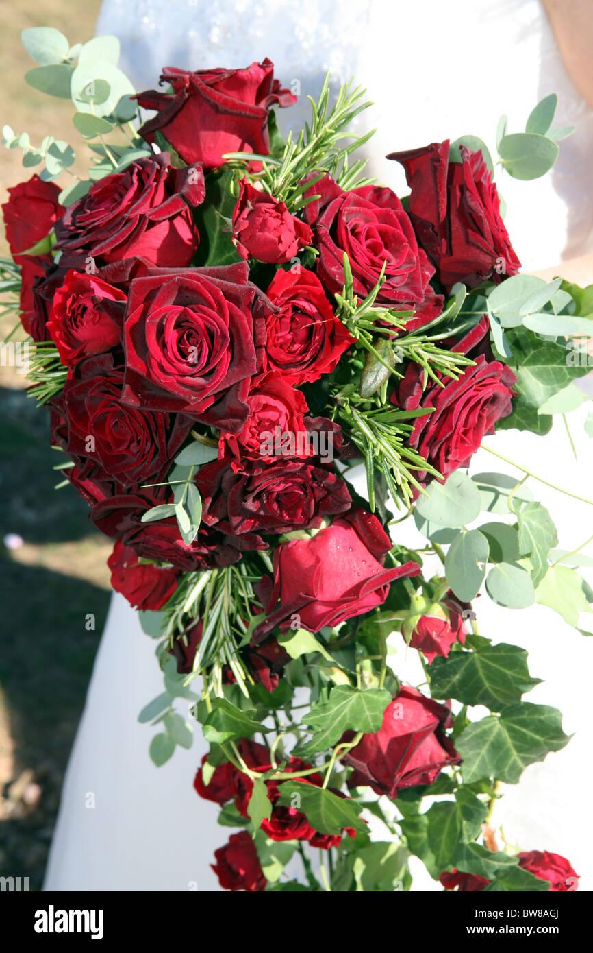 Hochzeitsstrauss Roter Rosen Stockfoto Bild 32760690 Alamy
