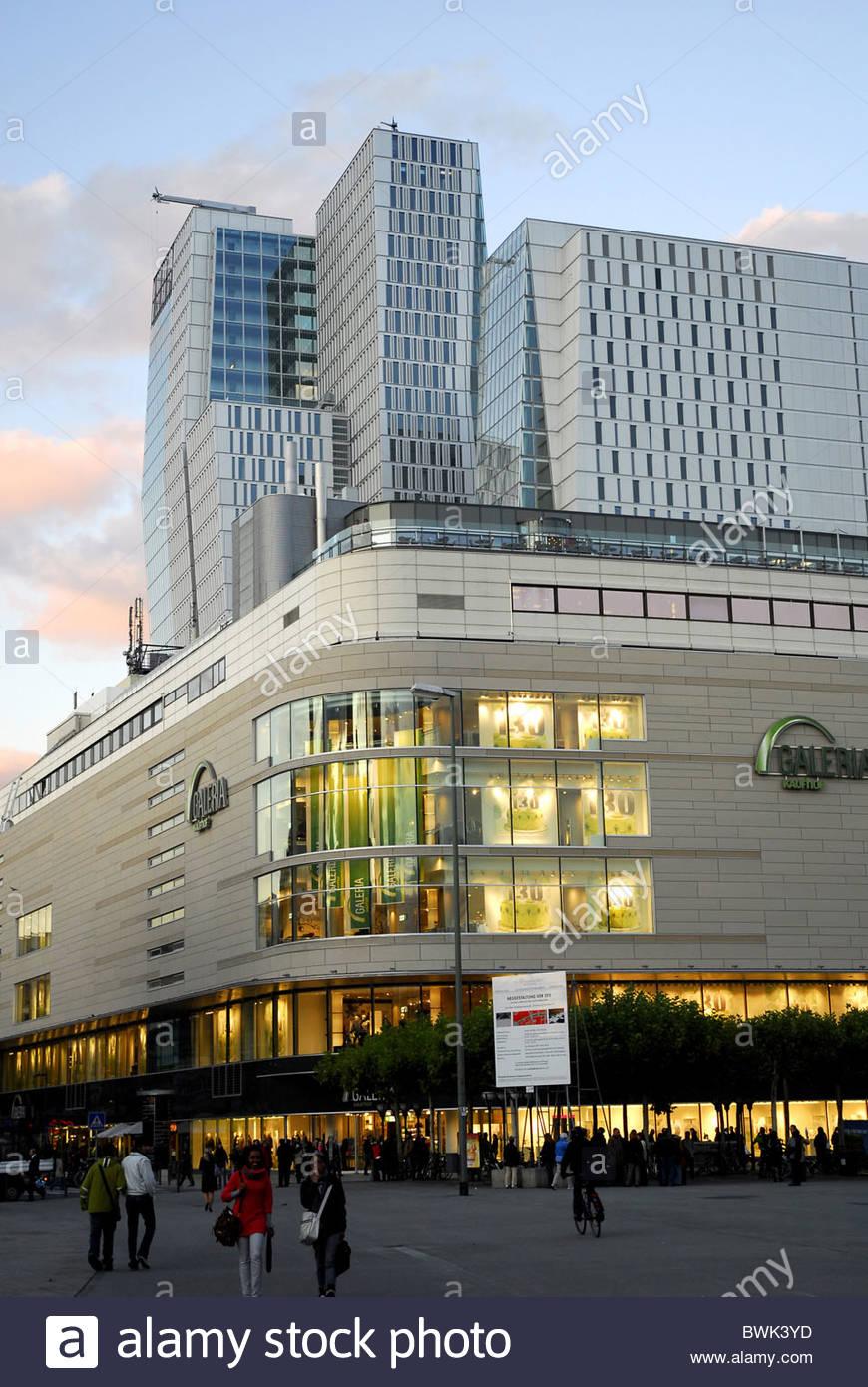 Galeria Kaufhof Shopping Mall Und Modernes Buro Turm Von Architekten