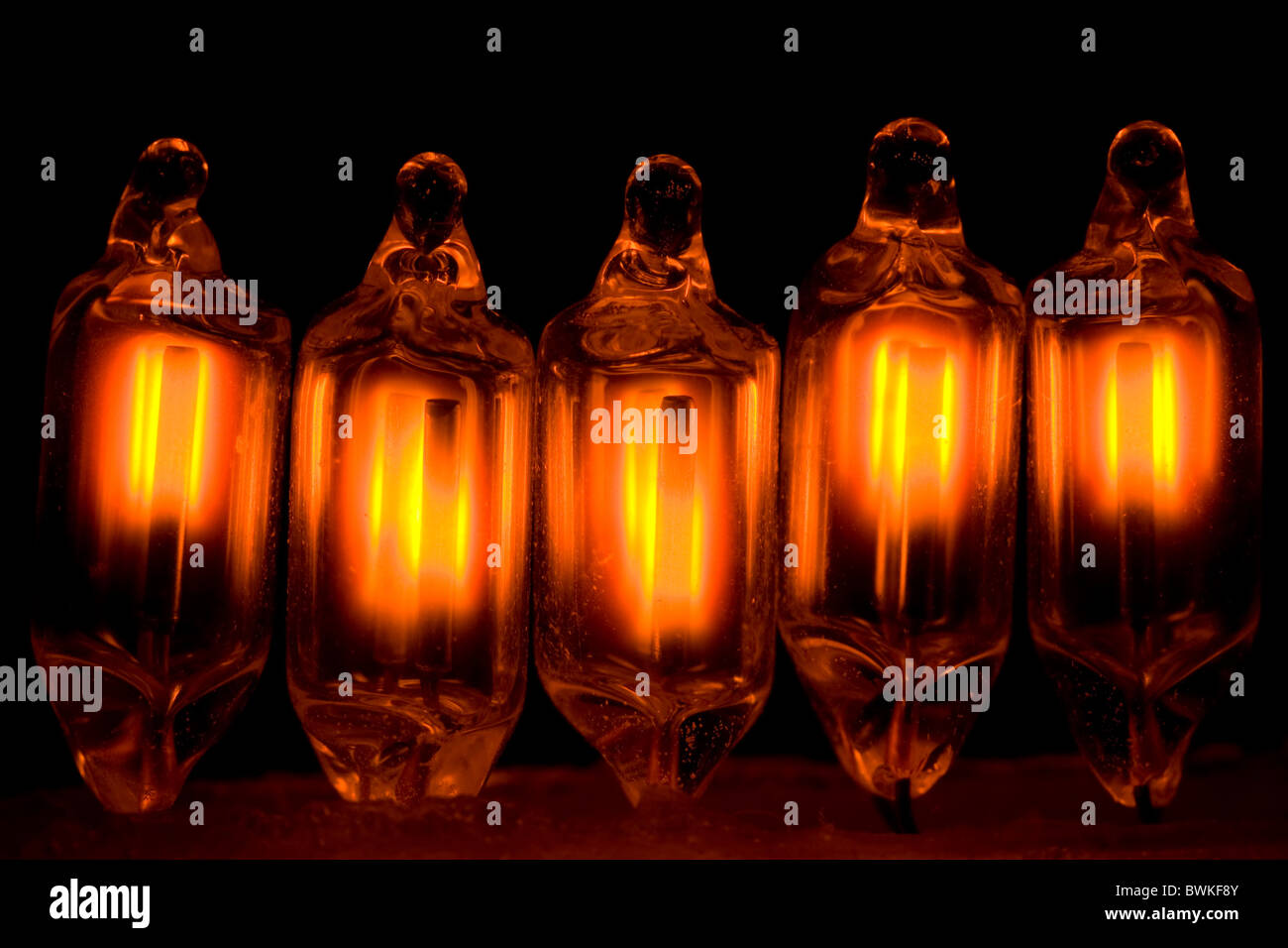 Fünf kleine Neon Lampen Stockbild