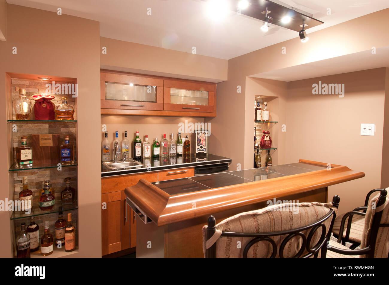 Home Bar Stockfotos & Home Bar Bilder - Alamy