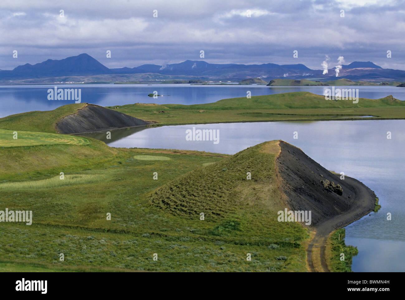 Island-Landschaft - Myvatn, ein flacher eutrophen See befindet sich auf einer Fläche von aktiven Vulkanen, Stockbild