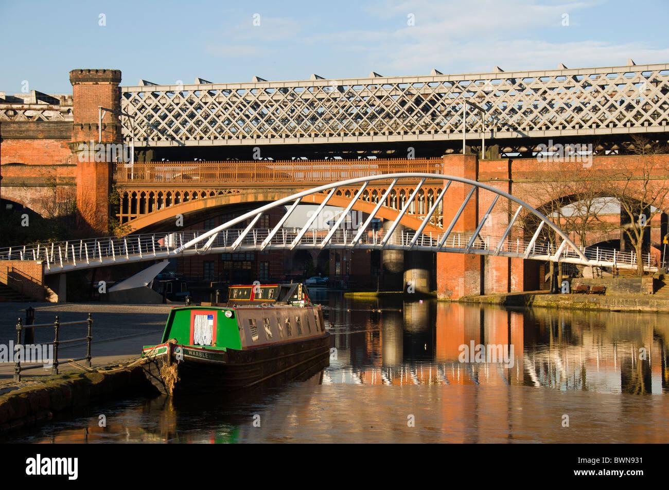Viktorianische Eisenbahnbrücken, moderne Kaufmann Brücke und Kanal ...