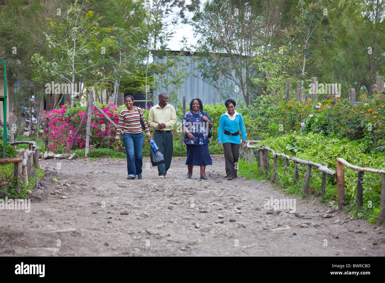 Lehrer an Maji Mazuri Zentrum und Schule, Nairobi, Kenia Stockbild