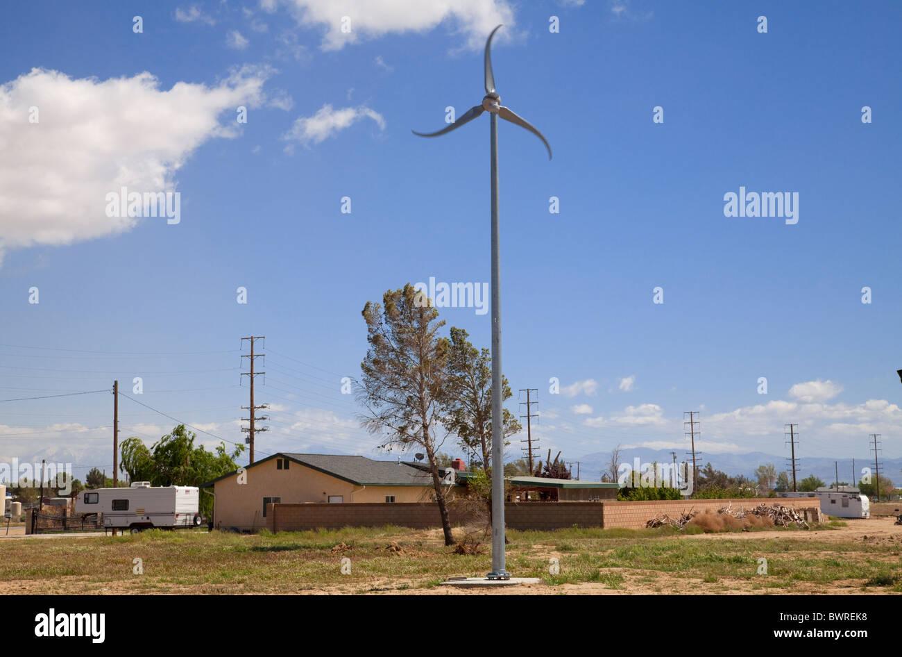 Wohn-Windkraftanlage, Rosamond, Kern County, Kalifornien, USA Stockbild