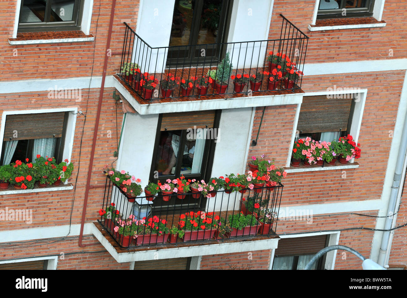 Wohnhäuser und Gebäude in Pamplona, Spanien Stockbild