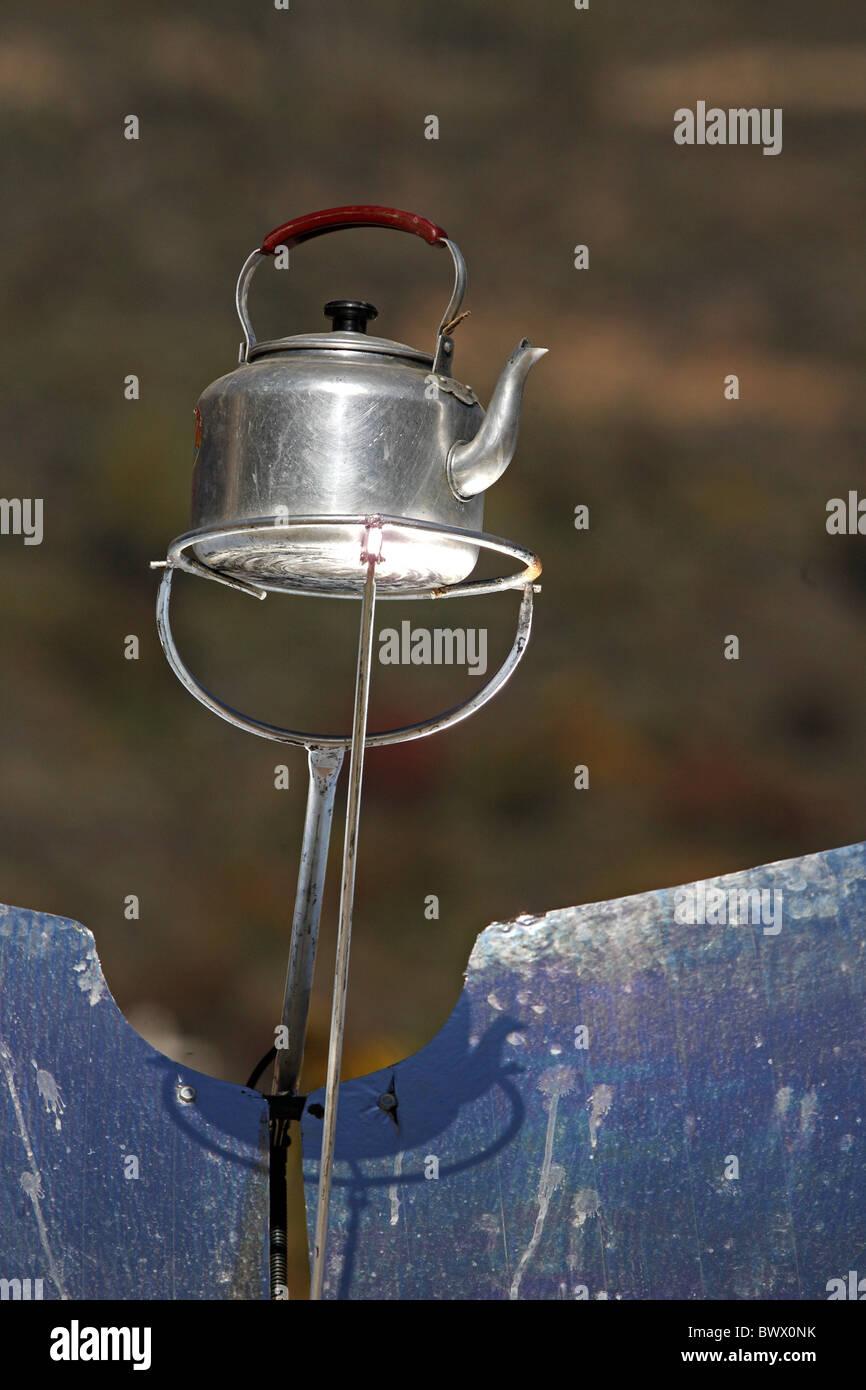 solar kettle stockfotos solar kettle bilder alamy. Black Bedroom Furniture Sets. Home Design Ideas