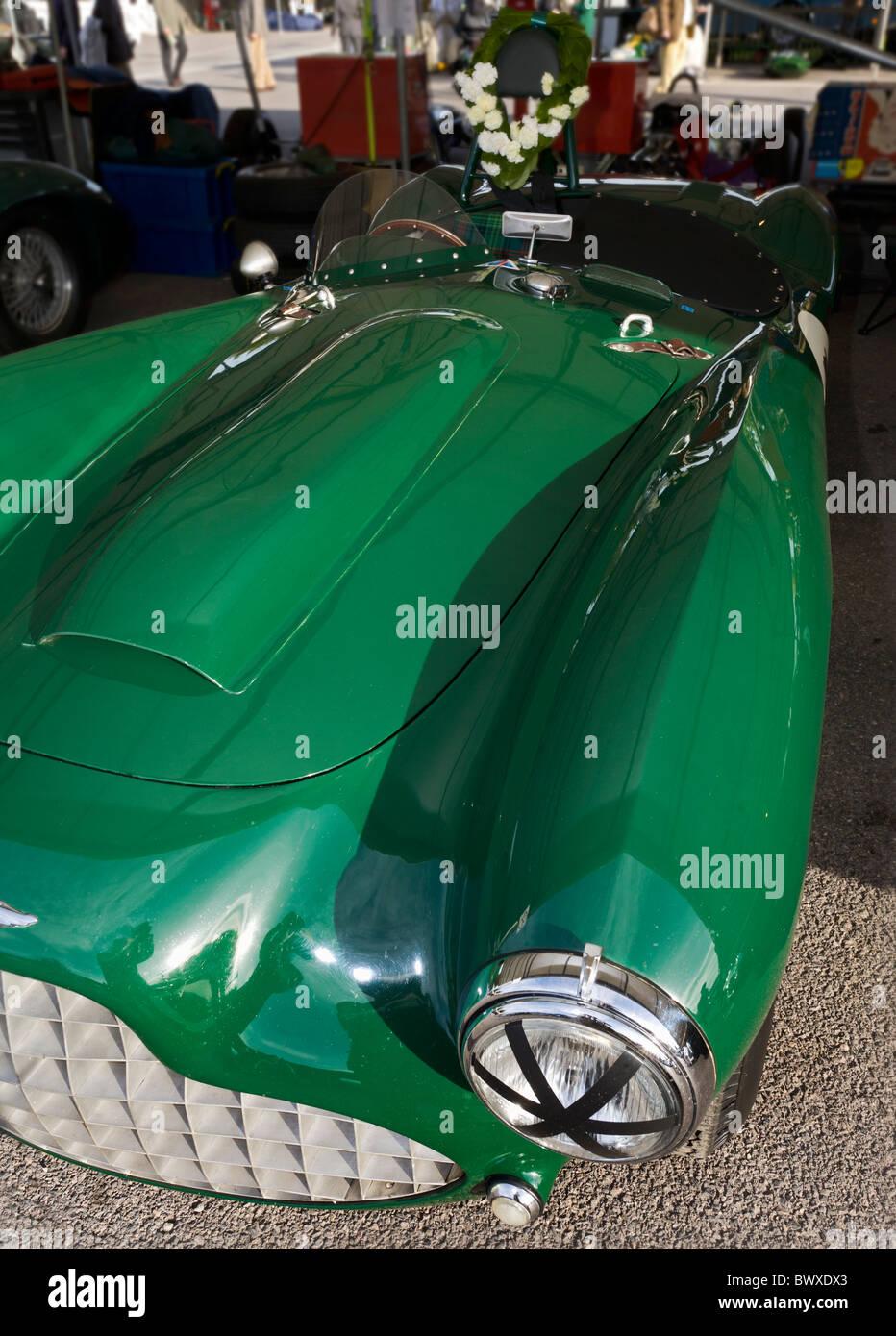 1954 Lagonda V12 Le Mans im Fahrerlager am Goodwood Revival treffen 2010, Sussex, England, UK. Stockbild