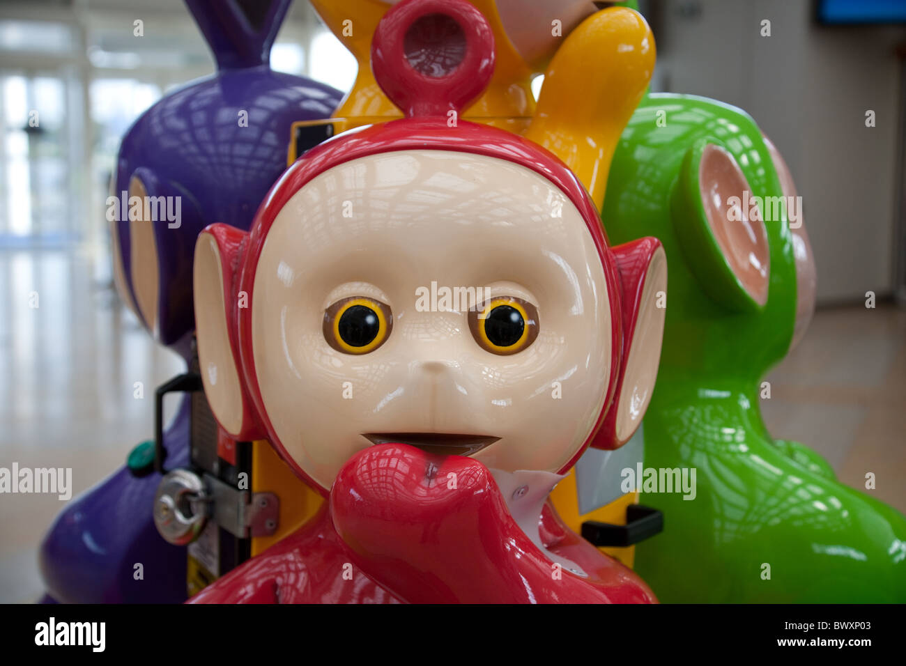 Teletubbies Po Not Personality Teletubby Stockfotos & Teletubbies Po ...