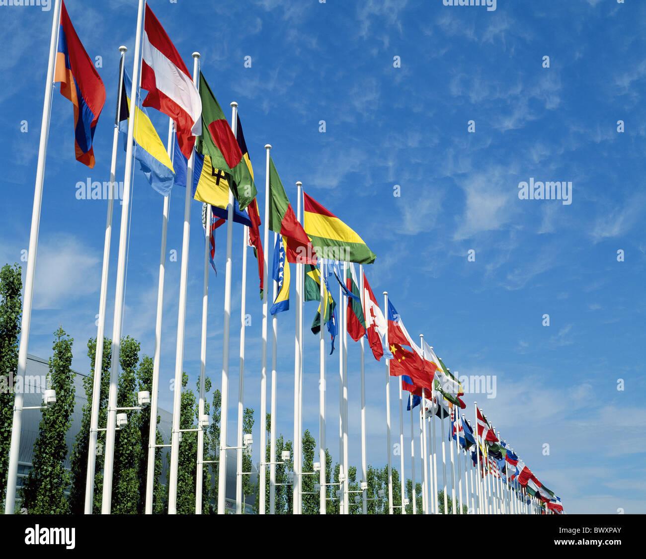 Fahnen Flaggen Fahnen Flagge Zeile Geographie International Lissabon Portugal Stockbild