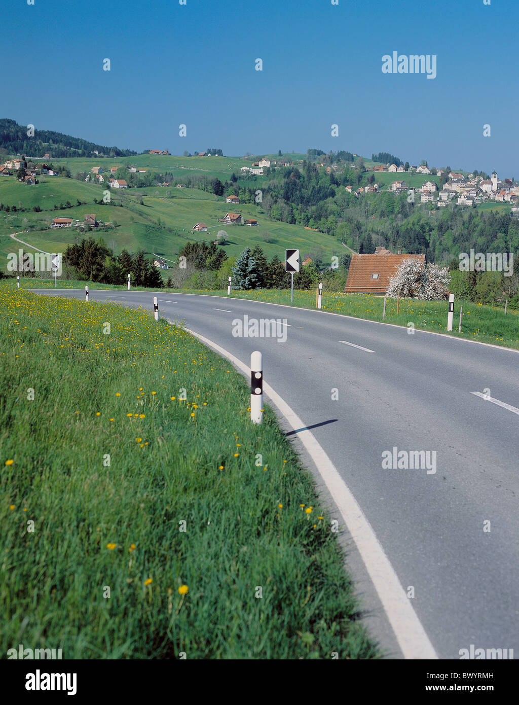 Landstraße Straße Schweiz Europa Appenzell hinter täuschen Landschaft Stockbild